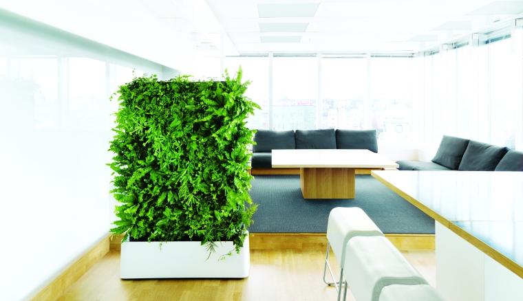 En mobil plantevæg er en smart løsning for dig som vil have fleksibilitet og kunne flytte nemt rundt på væggen. Pris 16.995,- kr. excl. moms.
